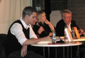 Lesezelt 17.10.09, von Links: Stephan Thome, Claire Beyer, Hanns-Josef Ortheil