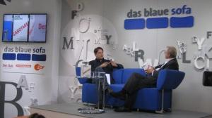Jakob Augstein auf dem Blauen Sofa im Gespräch mit Wolfgang Herles (re)